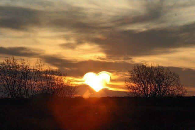 ハート型の夕陽